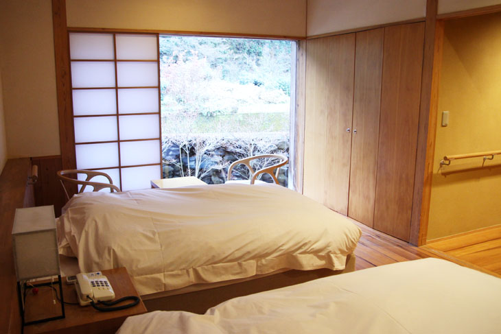 This is a universal room in a Japanese inn that can be used by wheelchair users.